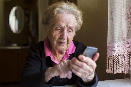 móviles para mayores que vigilan